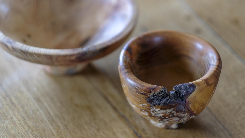 vide-poche en bois tourné